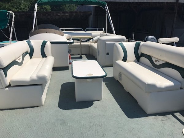 A Crest II DL is a Power and could be classed as a Pontoon,  or, just an overall Great Boat!