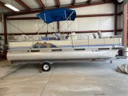 Pre-Owned 1998  powered Tahoe Boat for sale